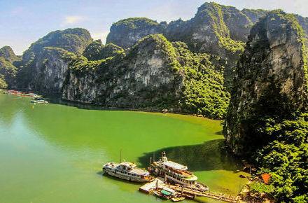 Blick auf die Halong Bucht