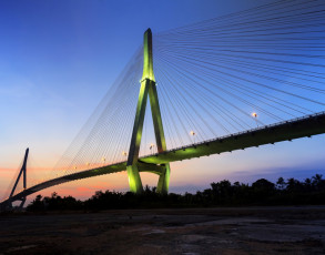 Can Tho Brücke beim Sonnenuntergang