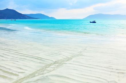 Weisser Sandstrand auf Con Dao
