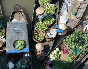 Marktfrauen beim Schwimmenden Markt von Cai Be