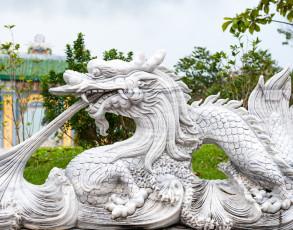 Drachenskulptur in Danang