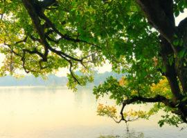 Romantischer Blick auf den Hoan Kiem See Hanoi