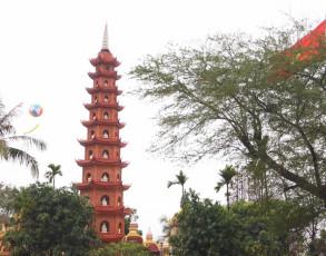 Pagodenturm in Hanoi