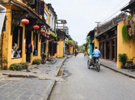 Altstadt mit Cyclofahrer Hoi An