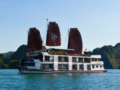 Pelican Cruiser für eine 2 tägige Bootsfahrt in der Halong Bucht